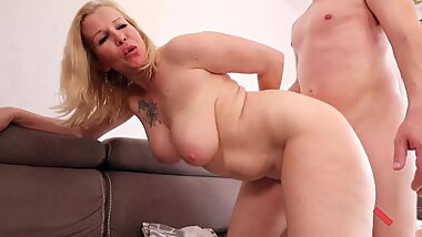 Young Guy FUCK HARD MILF Stepmom - Thick MILF FUCKED