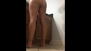 (SpyCam) PAWG caught naked